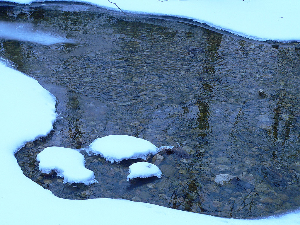 a7 Creek in Snow